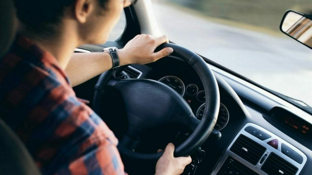 How Does Online Car Insurance Benefit Over the Traditional Option?